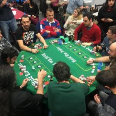 Mesa final de la V edición del Torneo de Poker de Aspace Soria.