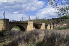 Puente de piedra en Soria.