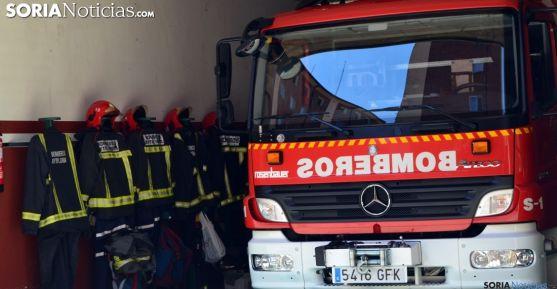 Un vehículo anti incendios en el parque de bomberos de la capital. /SN