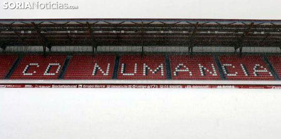 El estadio, bajo la nieve la pasada semana. /SN