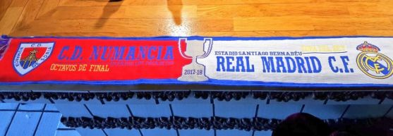 Bufanda que constata el enfrentamiento entre el Numancia y el Real Madrid en la Copa del Rey. @saritanum