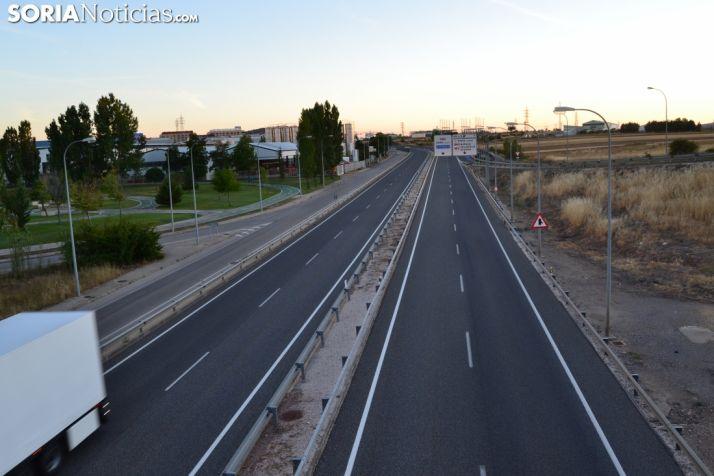 imagen de archivo de una carretera en tramo soriano.