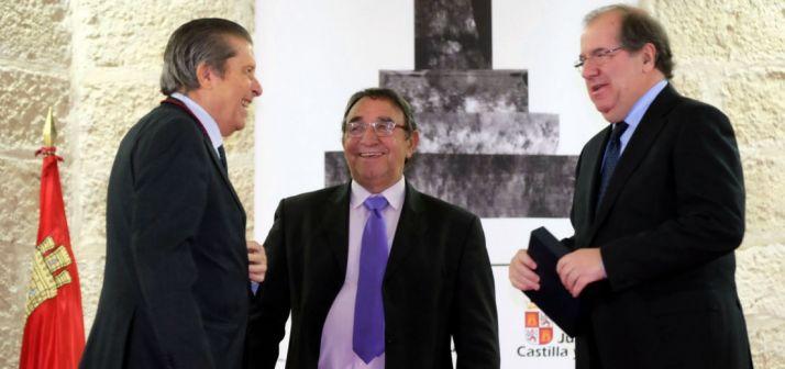 Foto 1 - Herrera subraya que cualquier reforma de la Constitución debería servir para reforzar los cimientos de la del 78