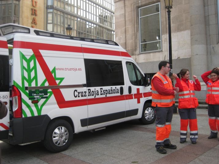 Foto 2 - Caja Rural de Soria patrocina la nueva ambulancia de Cruz Roja