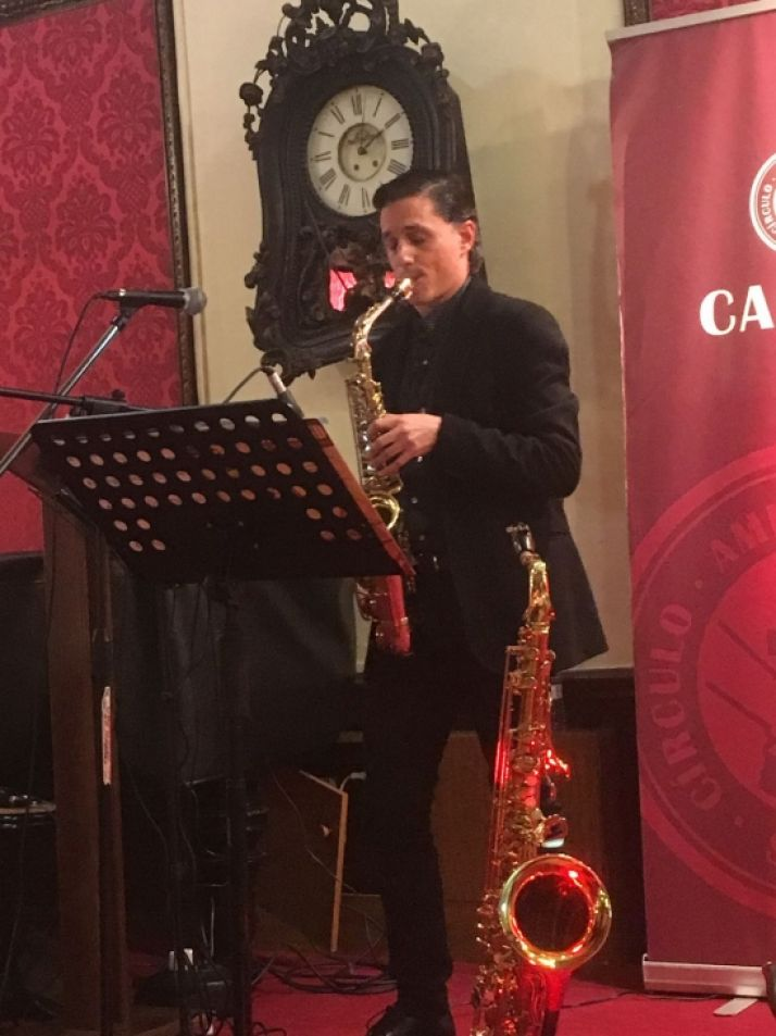 Concierto benéfico de saxofón en el Círculo de Amistad Numancia.