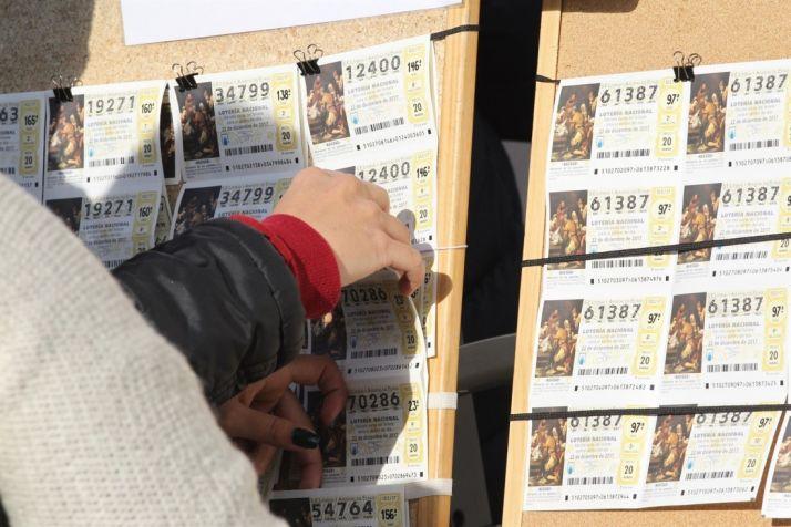 Foto 1 - Los castellanoleoneses, los que más gastarán en el Sorteo de Naviad, con una media de 99,88 euros