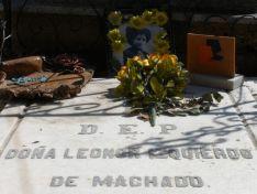 Tumba de Leonor Izquierdo, esposa de Antonio Machado.