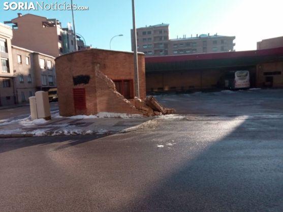 Muro de la estación de bus de Soria.