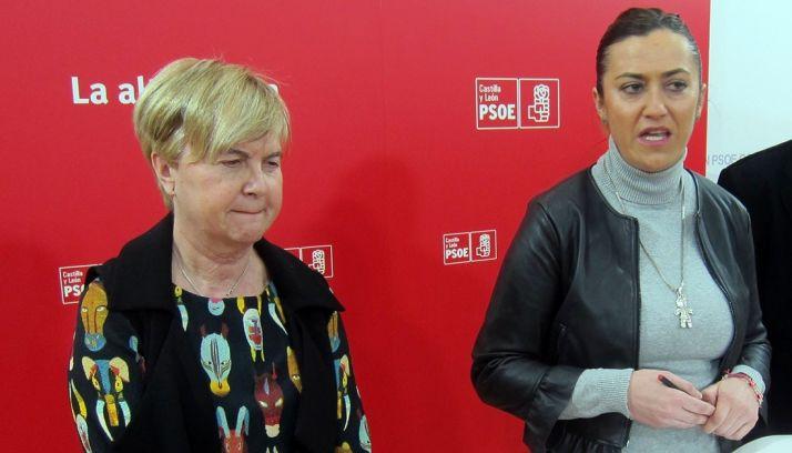 Virginia Barcones (dcha.) junto a Isaura Leal este martes. /EP