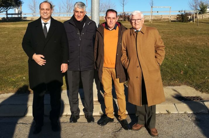 Los dos alcaldes (izda.), con Serrano y Ruiz Liso.