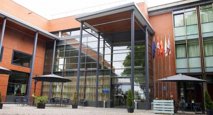 Entrada principal al Parador Antonio Machado, en la capital soriana.