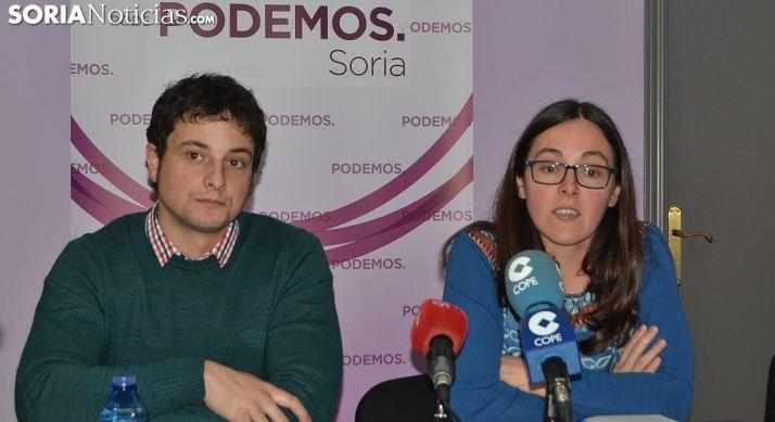 Los procuradores de Podemos este miércoles en la sede de la formación en Soria.