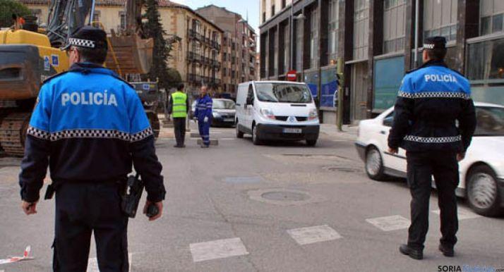 Foto 1 - 3 nuevos agentes se incorporan a la Policía Local de Soria
