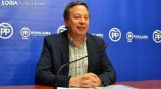 Adolfo Sainz, concejal del PP este lunes en rueda informativa. /SN