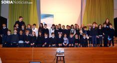 Los alumnos y sus profesores tras presentar los proyectos. /SN