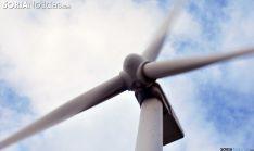 Un aerogenerador en un parque eólico de la provincia. /SN