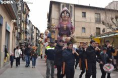 Desfile de Cabezudos en el Viernes de Carnaval soriano.