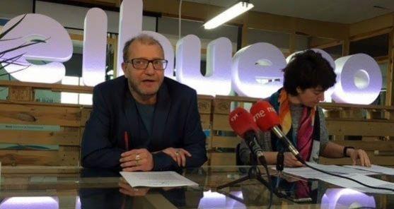 Ortega y Ciria en la explicación del proyecto. /EP