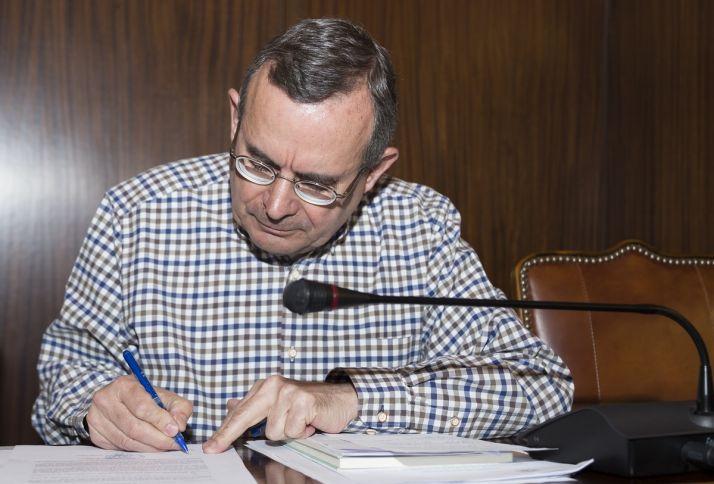 Foto 1 - De Lózar critica la falta de información desde el Ayuntamiento