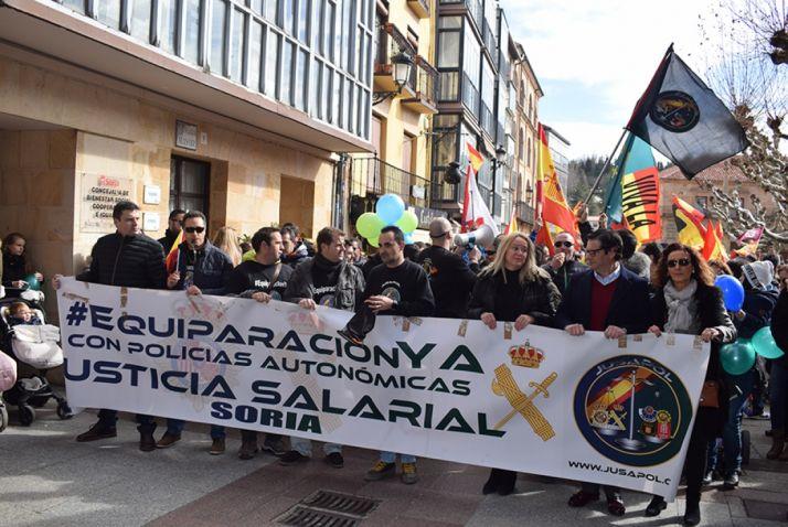 Foto 2 - Setecientas personas reclaman en Soria la equiparación salarial de policías y guardias civiles
