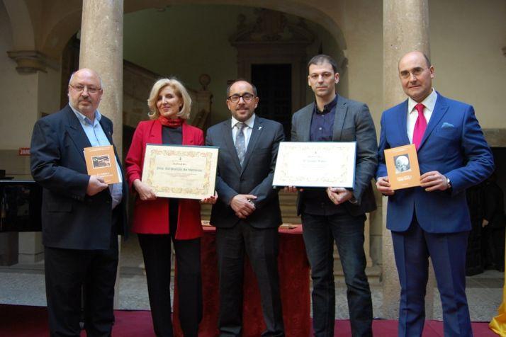 Foto 1 - Isaac Páez y Sol García, Premios de Poesía 2017