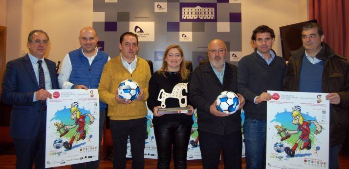 Mugarza (izda.), Delgado, Serrano, Jiménez, Martínez, González y Santamaría. /Dip.