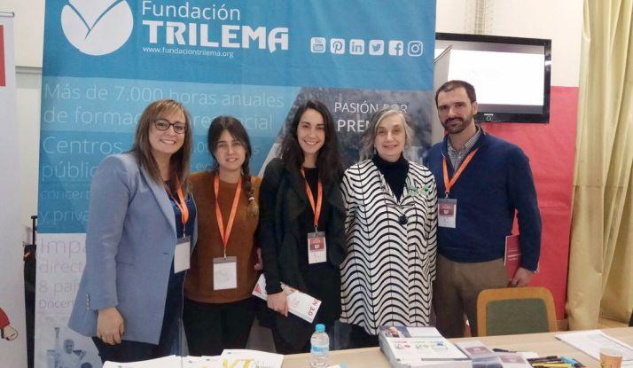 El equipo directivo con Carmen Pellicer, fundadora de Trilema.