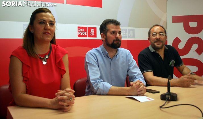 Luis Tudanca, entre Barcones y Rey en junio pasado. /SN