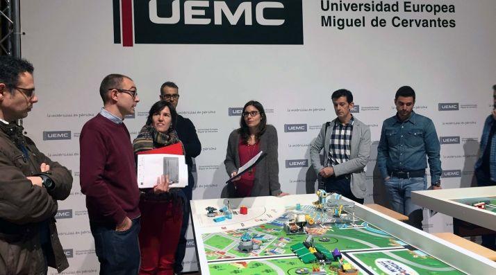 Foto 1 - Más de 150 jóvenes de la región participan en el desafío robótico First Lego League