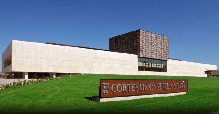 Foto 1 - Las Cortes celebran el 35º Aniversario del Estatuto de Autonomía