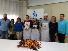Foto 4 - Natalia Ortego elabora la Mejor Croqueta de Soria