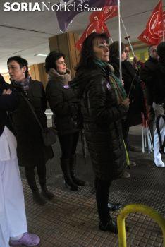 Una imagen de la concentración a las puertas del Santa Bárbara este jueves. /SN