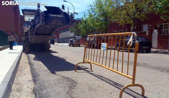 Una campaña de asfaltado en la capital. /SN