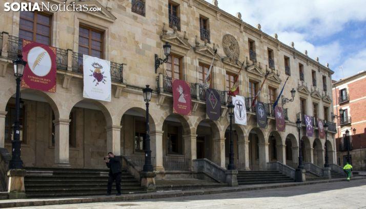 Fachada principal del ayuntamiento ayer, Martes Santo. /Freddy Páez
