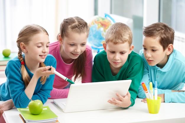 Se actualizará el software de los centros docentes para mejorar en TICs