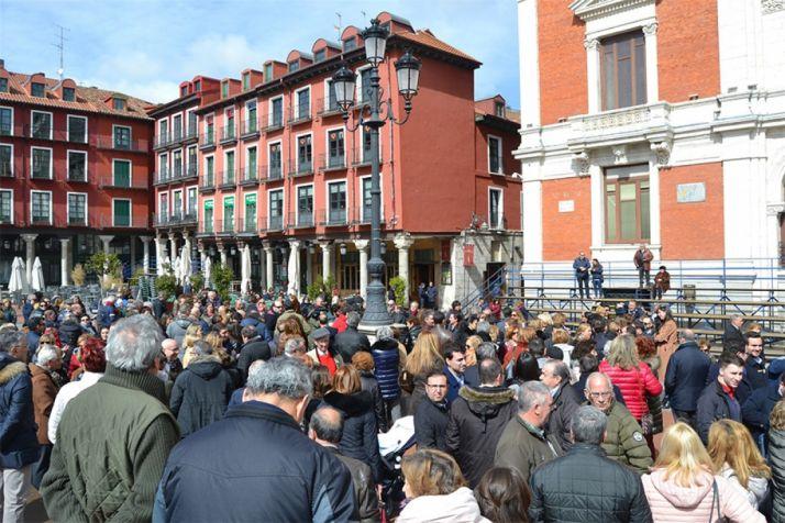 200 personas se manifiestan en Valladolid a favor de la prisión permanente revisable