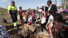Golmayo inaugura el primer parque comestible de España como homenaje a Juan Manuel Ruiz Liso