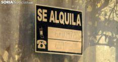 Un cartel de alquiler en la capital. /Freddy Paéz.
