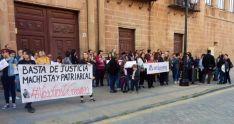 Foto 3 - Doscientas voces repudian la 'justicia patriarcal' tras la sentencia contra 'La Manada'