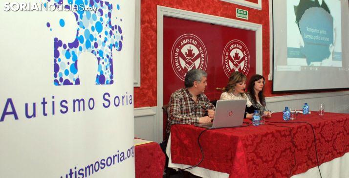 Rubén Escalada, María Ángeles Ramos y Nuria Santa Cruz. /SN