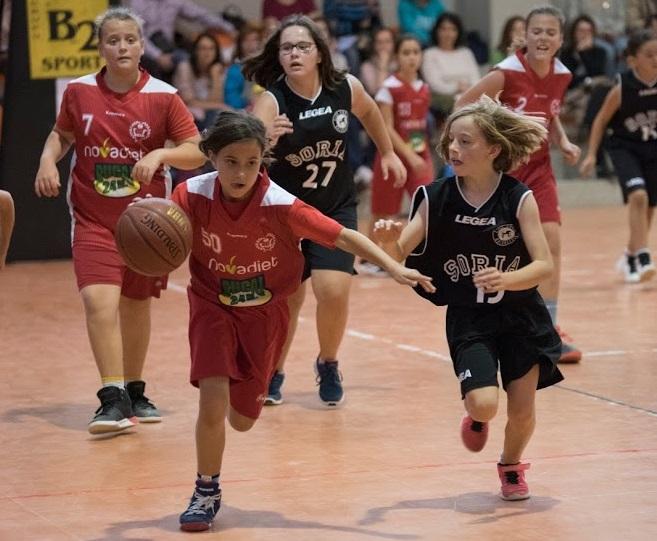 Foto 1 - El baloncesto no frena en abril