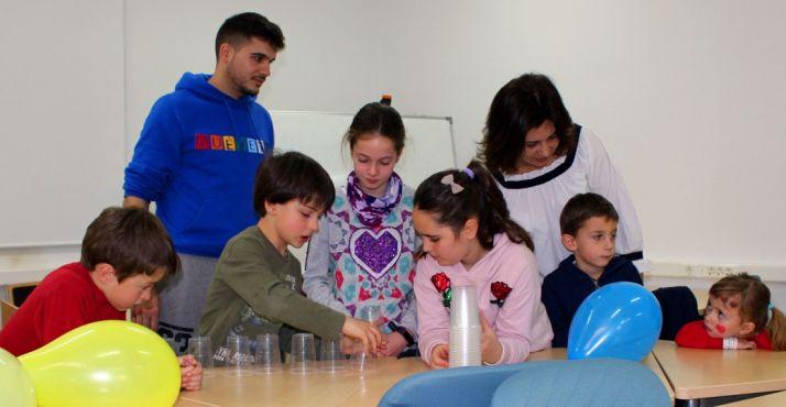 Foto 1 - Jornada de convivencia entre padres e hijos en la Subdelegación del Gobierno
