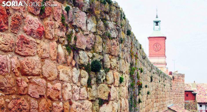 Detalle de un tramo de la muralla de Almazán. /SN