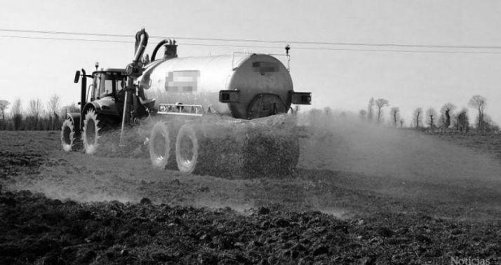 Foto 1 -  APORSO y ASAJA demandan ampliar la moratoria sobre purines hasta 2021