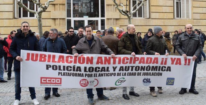 Foto 1 - Nueva concentración de los policías locales para este viernes 6