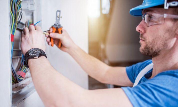 Foto 1 - Rebi necesita de forma inmediata un electricista para su Red de Calor de Soria