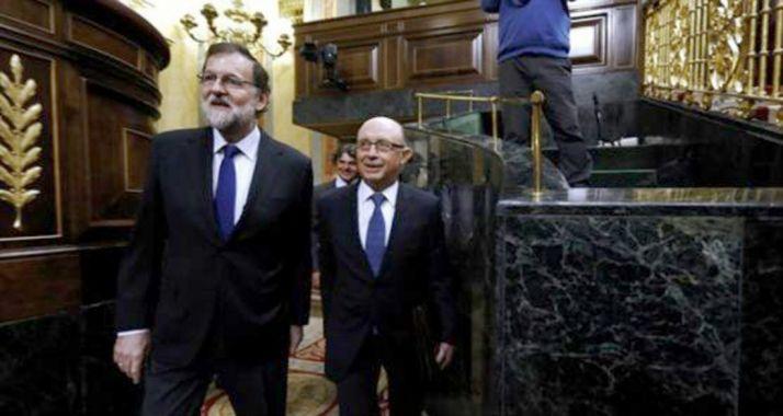 Rajoy y Montoro, este martes en la Cámara Baja. /EP