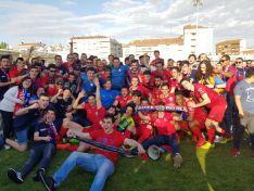 El CD Calahorra festeja el ascenso a Segunda B. CD Calahorra.