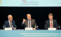 Herrera, entre Ceniceros (izda.) y el alcalde de Burgos Javier Lacalle. /Jta.