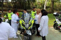 Foto 2 - De Gregorio subraya en el CEE Santa Isabel la importancia en la educación para salvar vidas